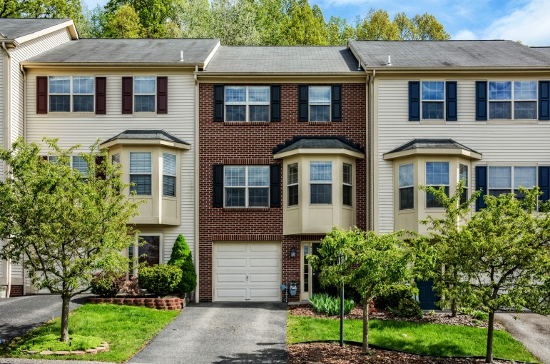 413 Georgetown Court  Seven Fields, PA 16046
